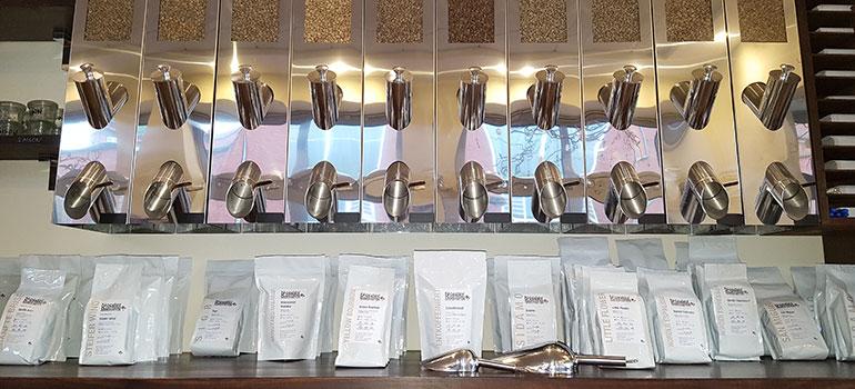 Kaffeesorten und Schütter in der Norder Kaffeemanufaktur