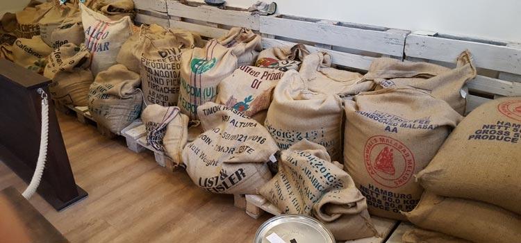 Unser Lager an frischen Kaffeebohnen